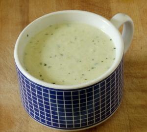 "Vegan ""Creme"" of Broccoli Soup - www.inhabitedkitchen.com"