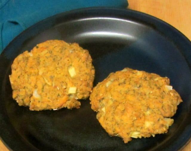 Salmon patties with quinoa - www.inhabitedkitchen.com