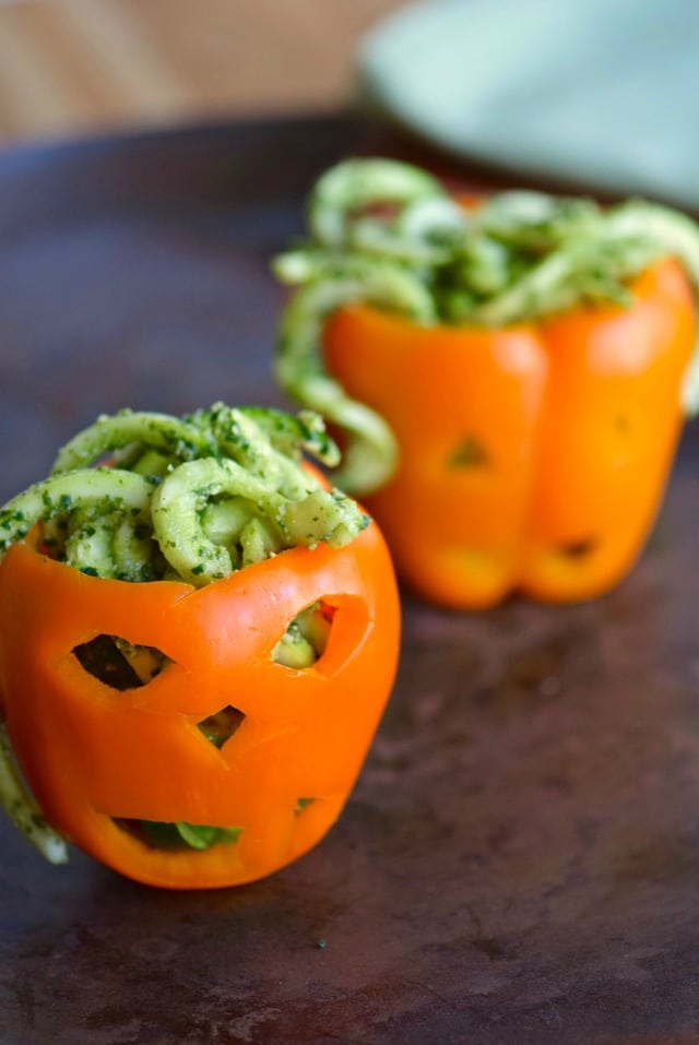 Are you looking for sugarfree Halloween treats, or some real food for a Halloween meal? Here are a dozen suggestions for an unsweetened Halloween!