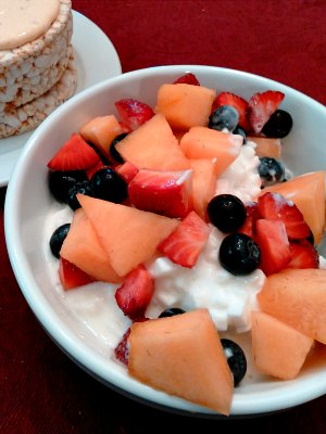 Fruit salad and cottage cheese for lunch